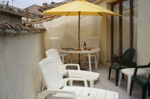 A quaint courtyard at Chez Castanet